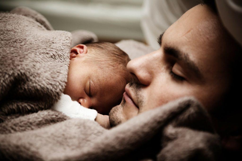 Depresja poporodowa u ojca może zakłócić relacje w rodzinie